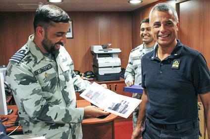http://eunavfor.eu/atalanta-force-commander-and-pakistan-navy-commander-from-warship-pns-saif-meet-at-sea/