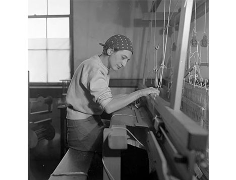 Image: Anni Albers: Touching Vision